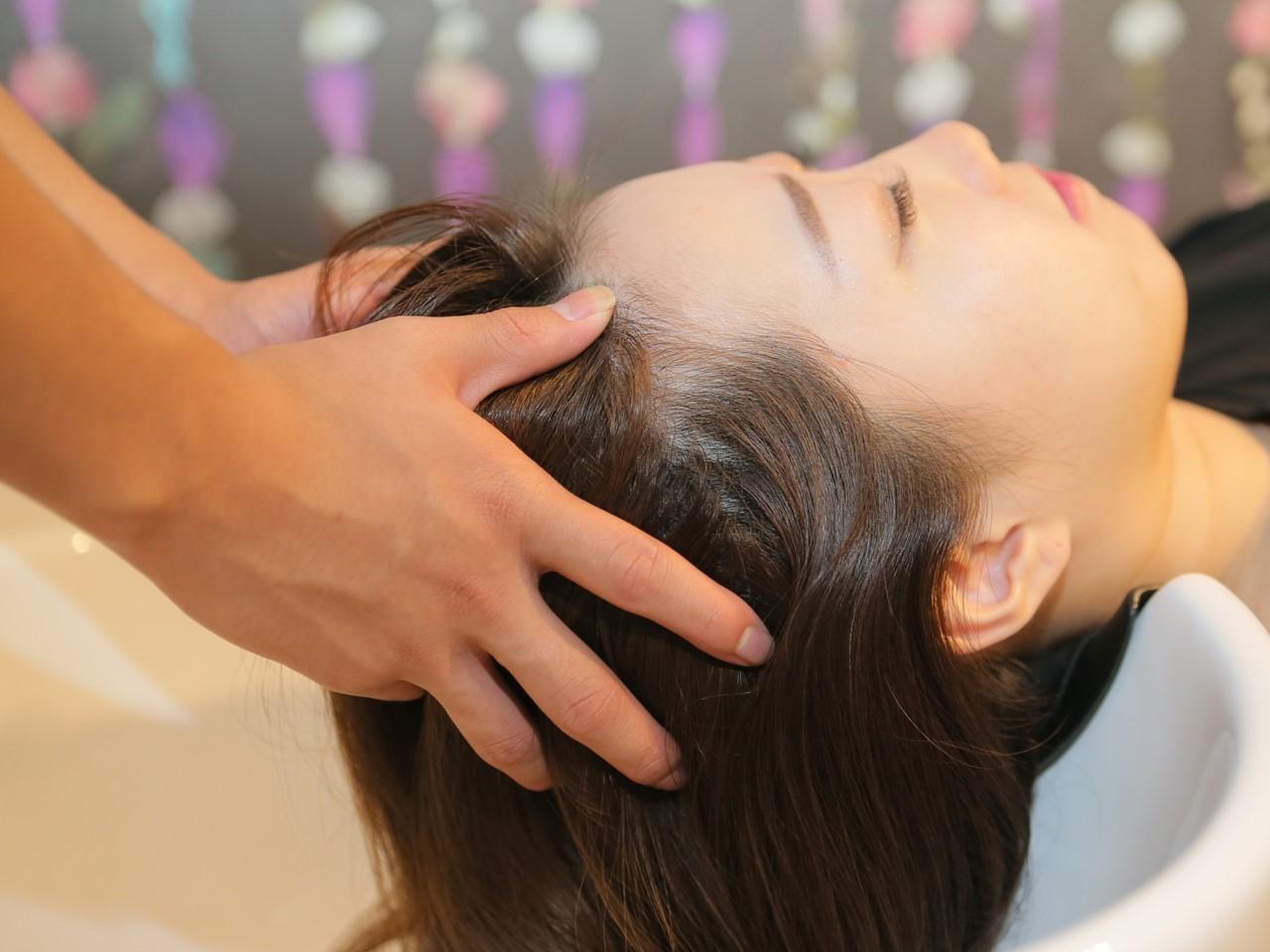 気分やお悩みに合わせて3種類から選べるヘッドスパが人気!ぜひ一度ご体感ください。