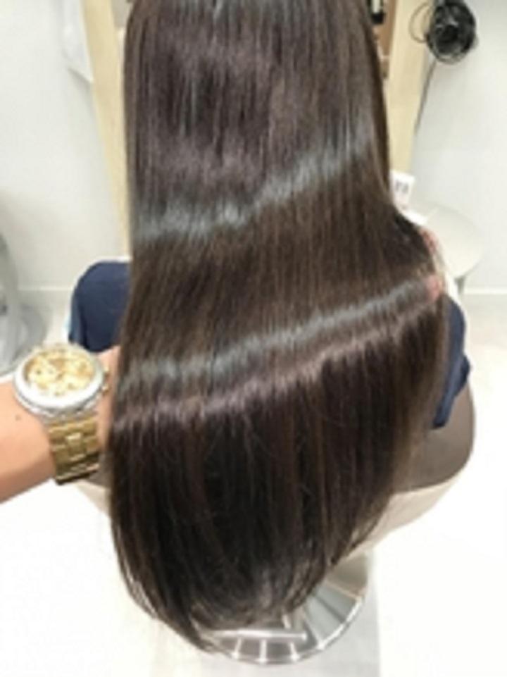 ピンとなり過ぎないナチュラルな髪質改善が人気!
