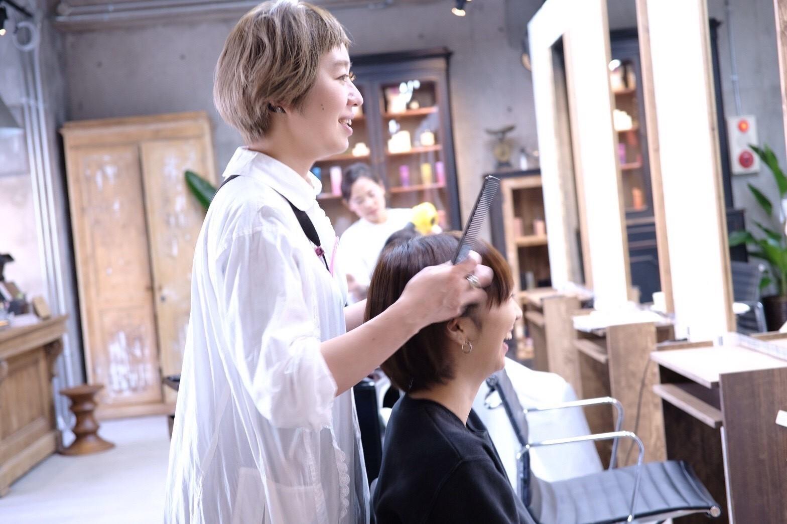 女性スタイリストが多数在籍!女性目線で仕上げる可愛いスタイル