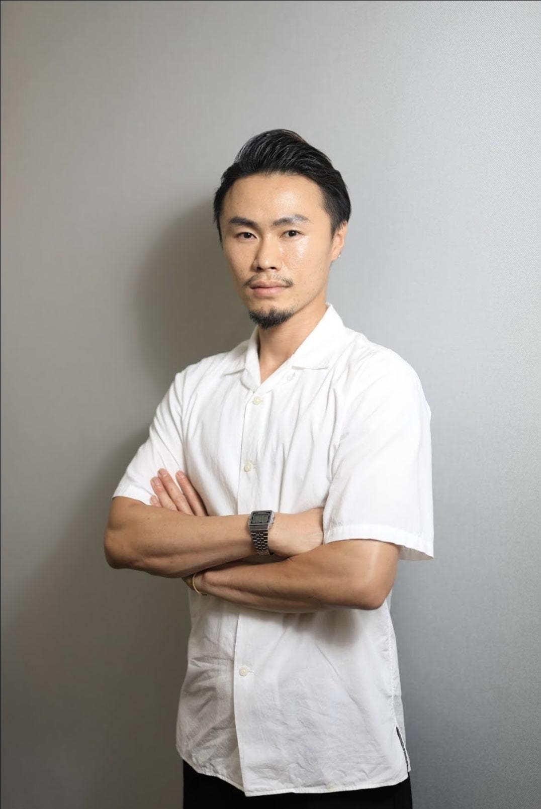 代表 HIROKIです。