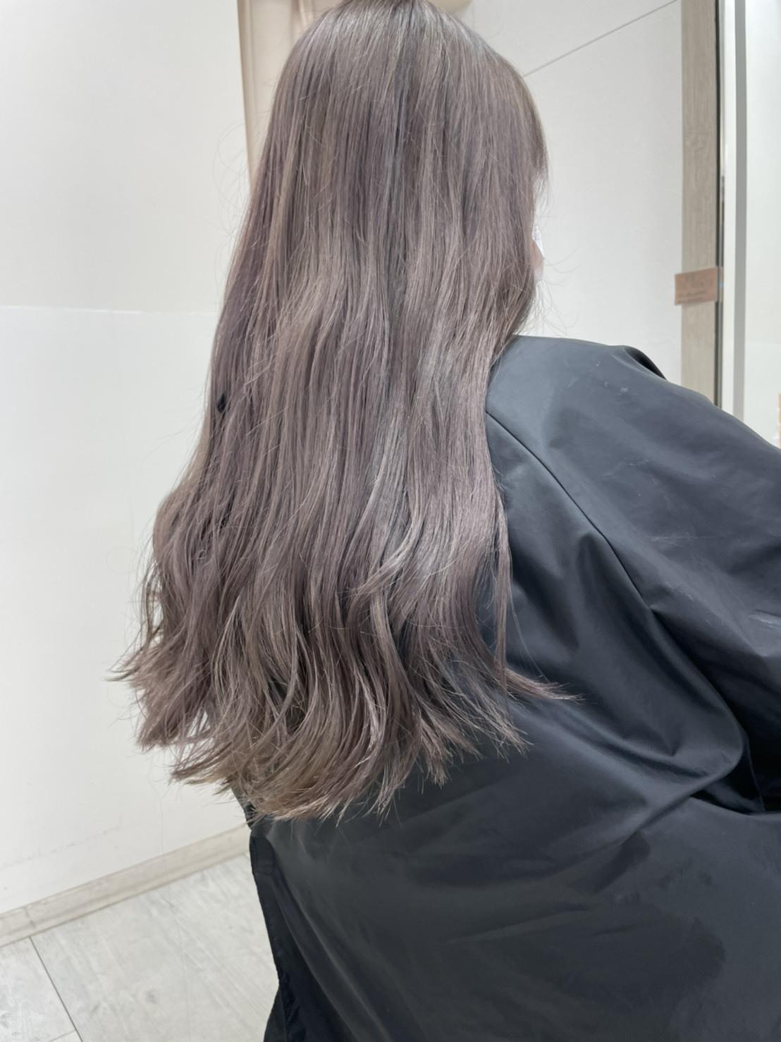 立体感や動きのあるスタイルを叶える<バレイヤージュ>でトレンドの垢抜けヘアを実現します!