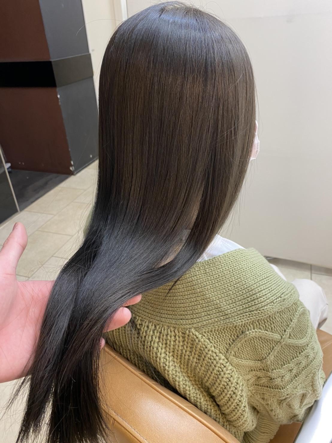 縮毛矯正・ストレートでサラ艶髪へ