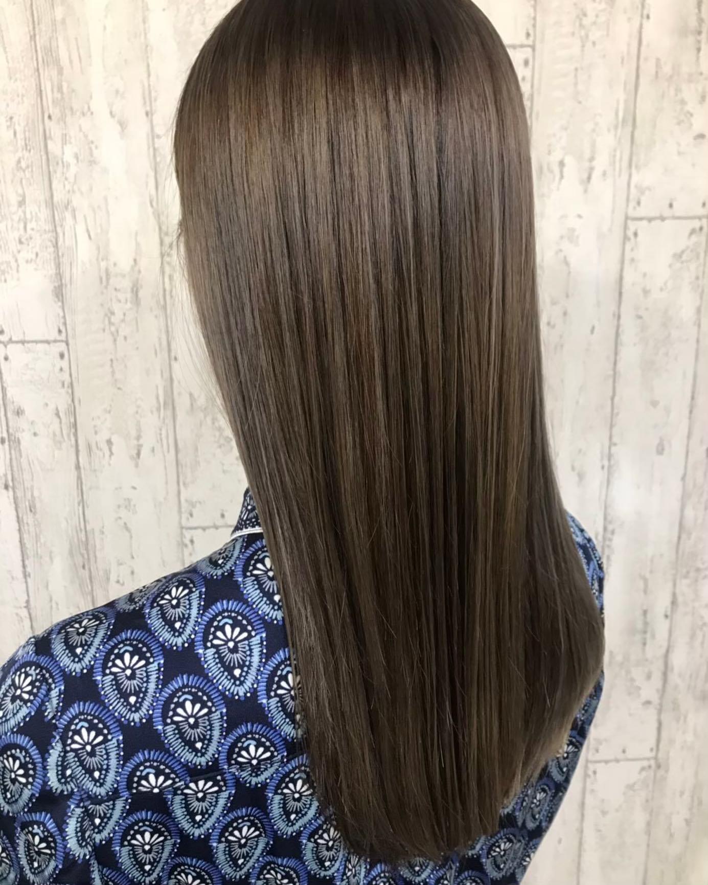 ツヤ×透明感あふれる髪が叶う。業界TOPクラスの最新機材を取り扱い!