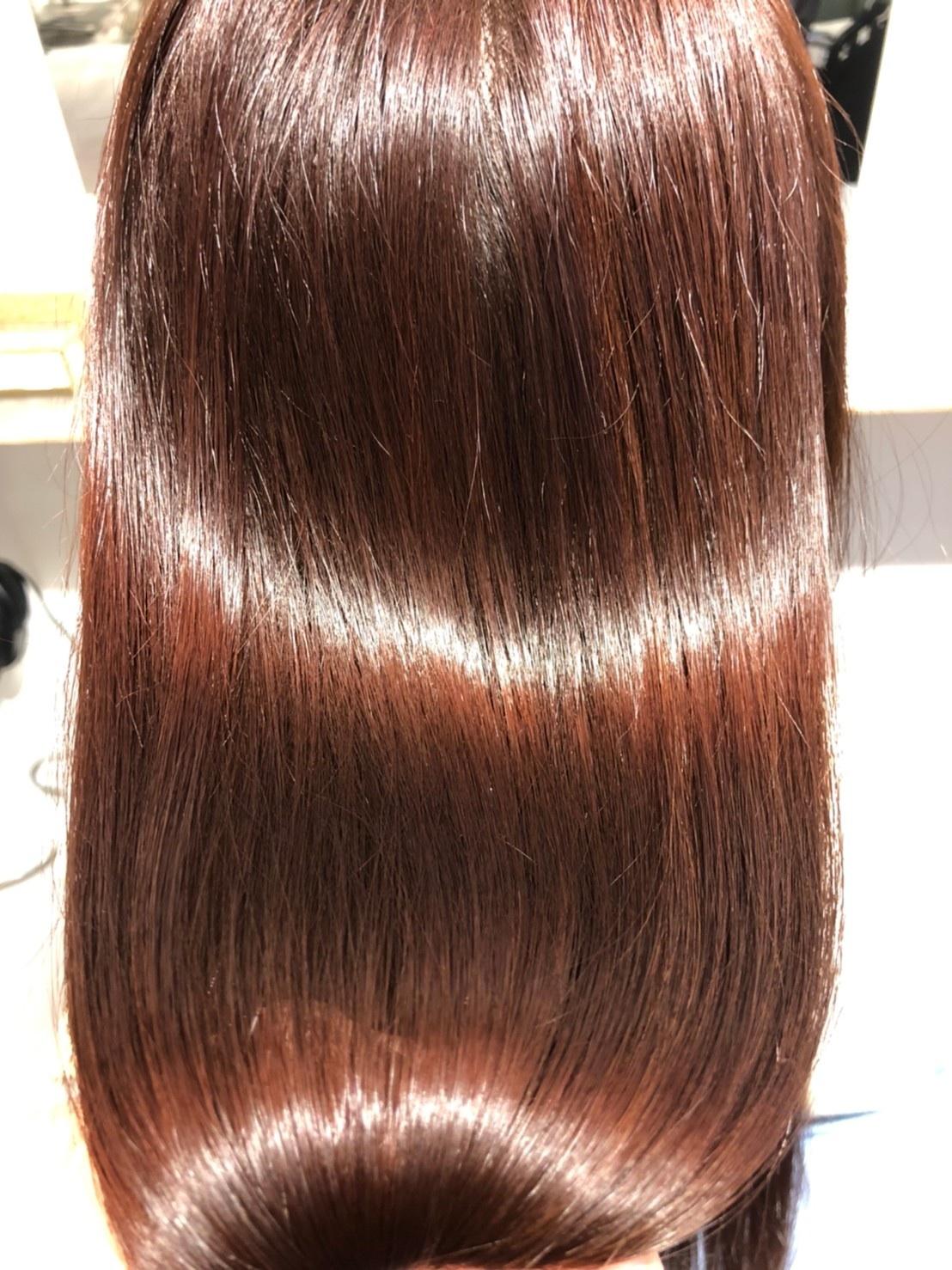 髪の広がり・パサつきを改善します。感動の艶髪体験を是非してみてください。