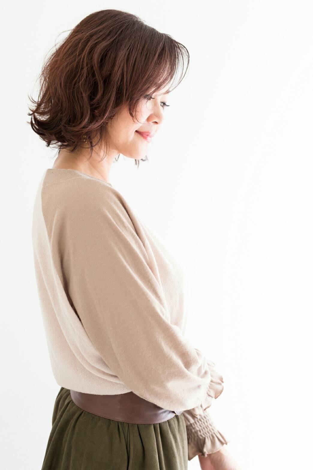 頭皮や髪にやさしい低刺激の薬剤が人気◎ハーブエキス配合で施術後の髪にツヤと潤いを与えます。