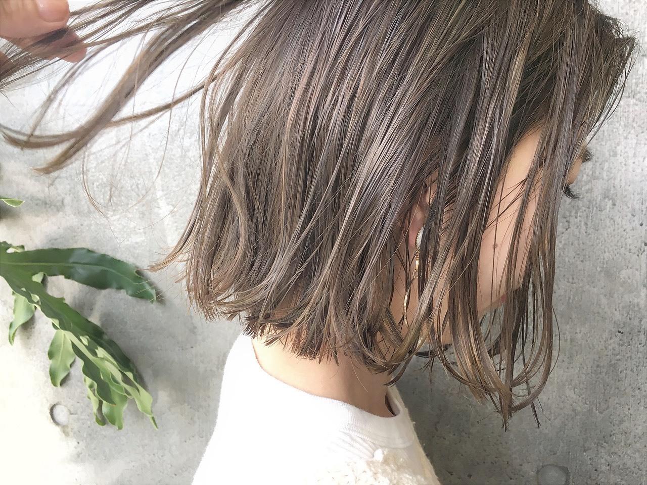 【外国人風カラー・ハイライトカラー】でお洒落で透明感ある髪色へ