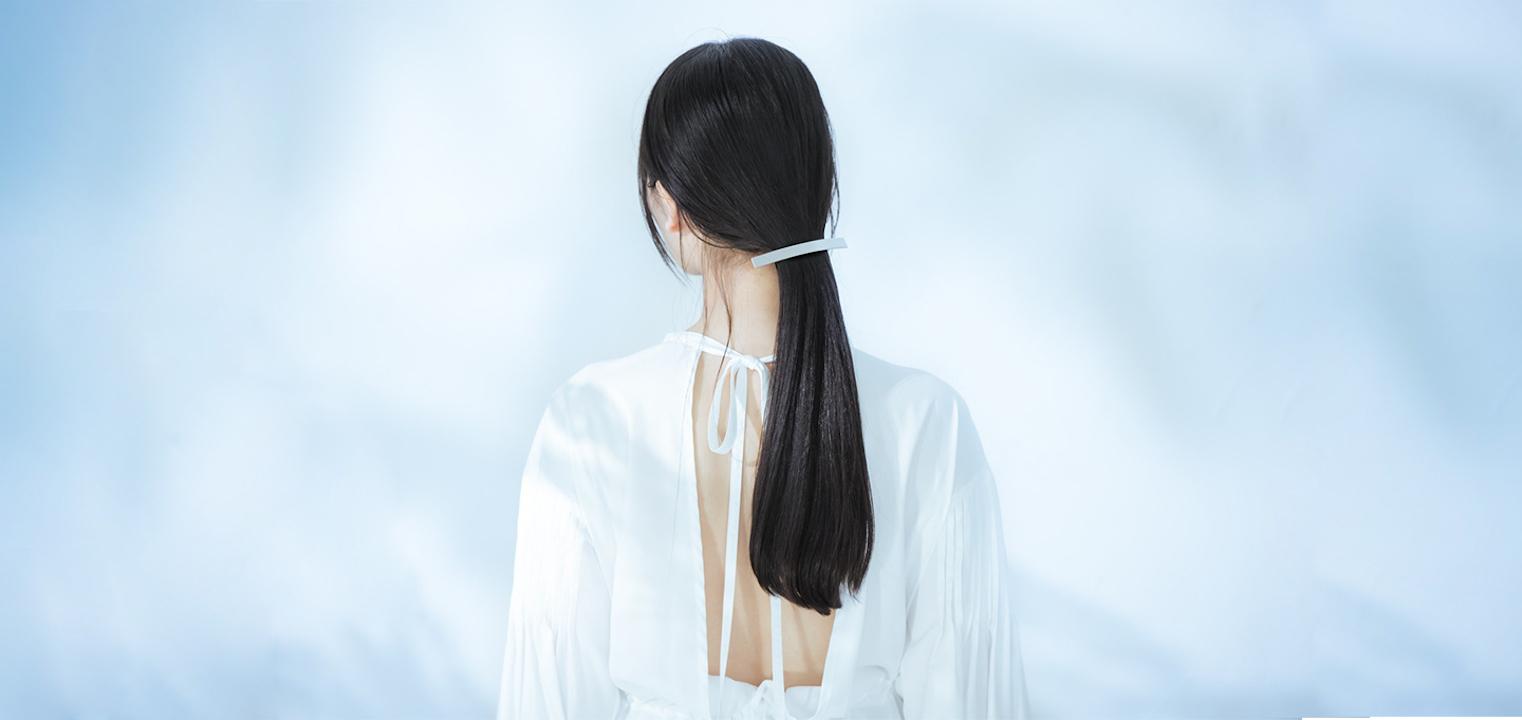 髪に立体感を出すハイライトが人気!今のスタイルに少しのトレンド感をプラスして一気に垢抜けヘアに。