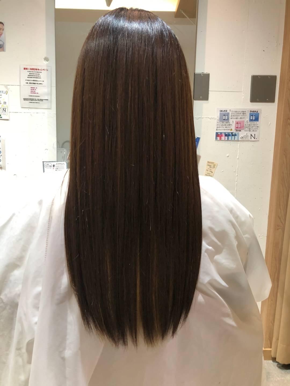 ツヤのある美髪へ。憧れのサラ艶ストレートが叶う