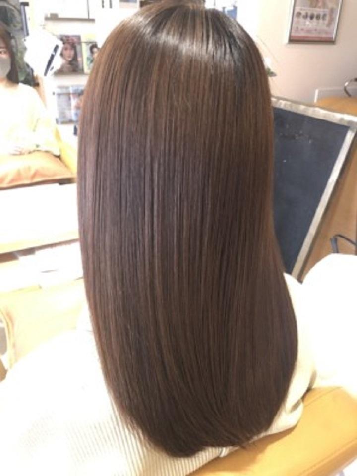 髪のダメージを抑え、キレイで艶のあるカラーを実現