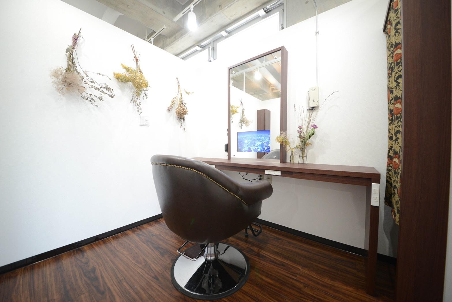 個室の広さは通常の美容室の2倍!心から寛げる自慢の空間